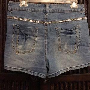 Cato Shorts - Cute jean shorts EUC